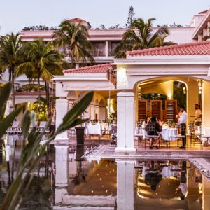 luxury Mauritius holiday Packages Mauricia Beachcomber Resort And Spa Dining 2
