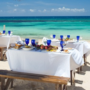 Neptunes - Sandals Ochi Beach Resort jamaica - Luxury Jamaica Holidays