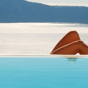 Pool - sun Rocks Hotel Santorini - luxury santorini holiday packages