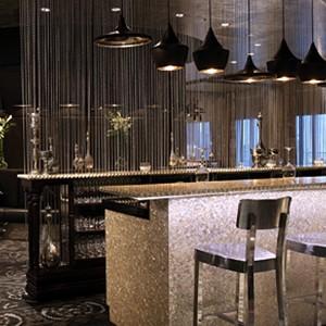 Shangri-La Abu Dhabi - Abu Dhabi Honeymoon Packages - bar 2