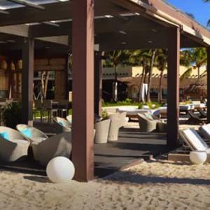 beach restaurant - Catalonia Yucatan Beach - Luxury Mexico Holiday Packages