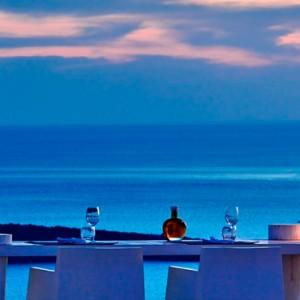 dining 2 - sun Rocks Hotel Santorini - luxury santorini holiday packages