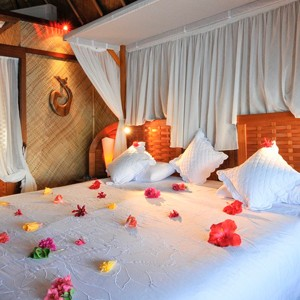 intercontinental le moana bora bora honeymoon room