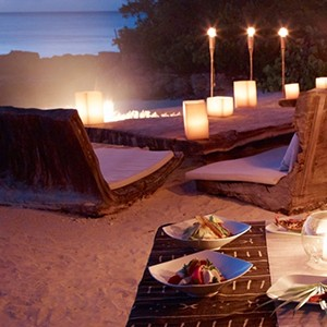 parrot cay by como - turqs and caicos lucury holidays - beach dining