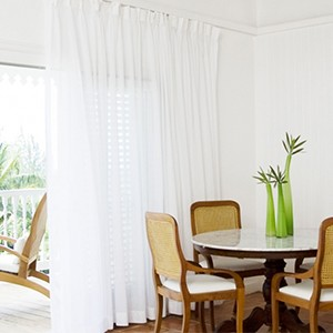 parrot cay by como - turqs and caicos lucury holidays - in room space