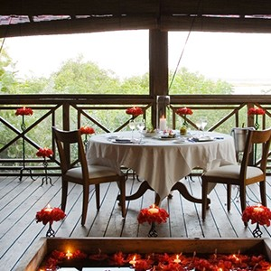 parrot cay by como - turqs and caicos lucury holidays - romantic dining