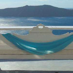relax - sun Rocks Hotel Santorini - luxury santorini holiday packages