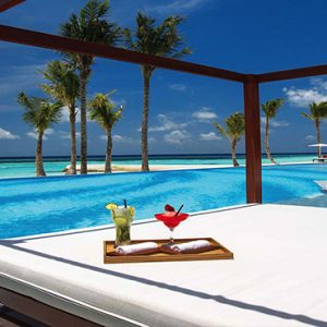 Ozen By Atmosphere At Maadhoo Island Luxury Maldives Honeymoon Packages Joie De Vivre Pool Cabana