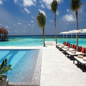 Ozen By Atmosphere At Maadhoo Island Luxury Maldives Honeymoon Packages Joie De Vivre Sun Loungers