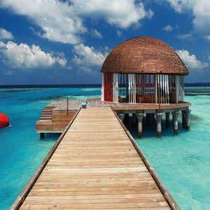 Ozen By Atmosphere At Maadhoo Island Luxury Maldives Honeymoon Packages Ozen Arrival Pavillion