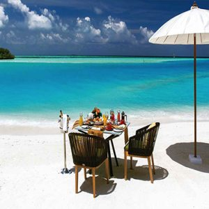 Ozen By Atmosphere At Maadhoo Island Luxury Maldives Honeymoon Packages Ozen Sandbank Breakfast