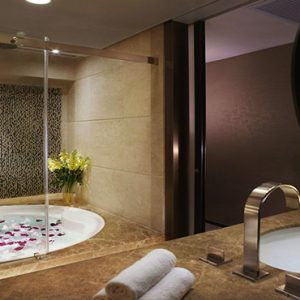 luxury Hong Kong holiday Packages Harbour Grand Hong Kong Accommodation Bathroom