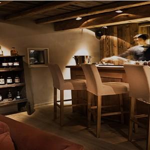 Le chalet Zannier - France Ski Holidays - Wine Bar