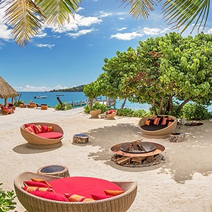 Likuliku lagoon resort - fiji holiday - Masima bar daytime
