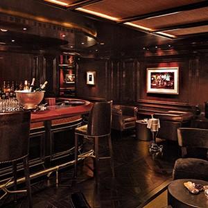 Peninsula Hong Kong Honeymoon - bar