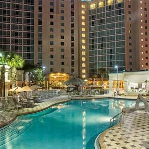 Pool at night - Crowne Plaza Orlando Universal - Luxury Orlando Holidays