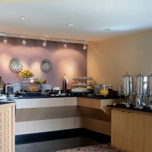 executive lounge- Crowne Plaza Orlando Universal - Luxury Orlando Holidays