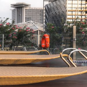 Naumi Hotel Singapore Luxury Singapore Holiday Packages Cloud 9 Infinity Pool & Bar5