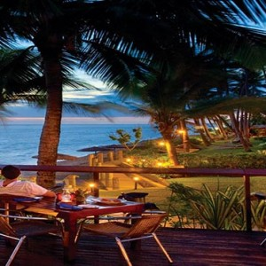 outrigger-fiji-beach-resort-fiji-holiday-sandowner-bar