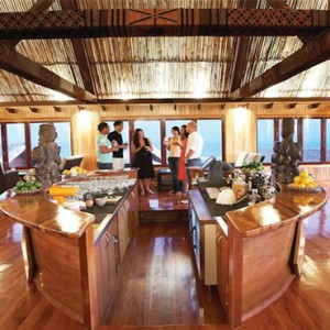 outrigger-fiji-beach-resort-fiji-holiday-bar