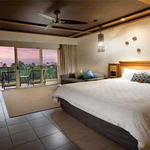 outrigger-fiji-beach-resort-fiji-holiday-deluxe-ocean-view-bedroom