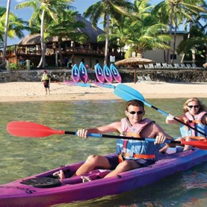 outrigger-fiji-beach-resort-fiji-holiday-kayaking