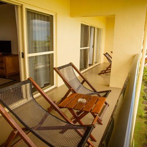 outrigger-fiji-beach-resort-fiji-holiday-ocean-breeze-1-bedroom-balcony