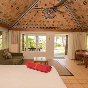 outrigger-fiji-beach-resort-fiji-holiday-ocean-breeze-interior