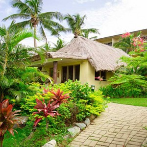 outrigger-fiji-beach-resort-fiji-holiday-plantation-bure-exterior