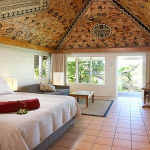 outrigger-fiji-beach-resort-fiji-holiday-plantation-bure-interior