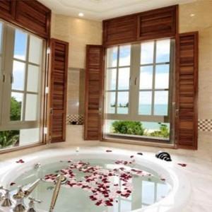 the-danna-langkawi-malaysia-holiday-bathsuite