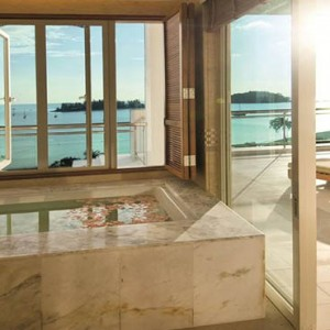 the-danna-langkawi-malaysia-holiday-grand-viceroy-bathsuite