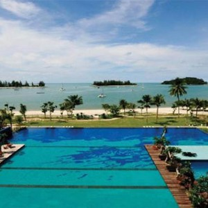 the-danna-langkawi-malaysia-holiday-pool