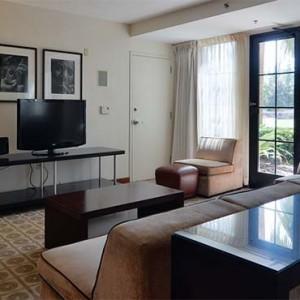 universal-hard-rock-hotel-orlando-holiday-hospitality-suite-lounge