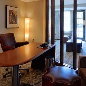 universal-hard-rock-hotel-orlando-holiday-hospitality-suite-room
