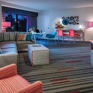 universal-hard-rock-hotel-orlando-holiday-king-suites-room