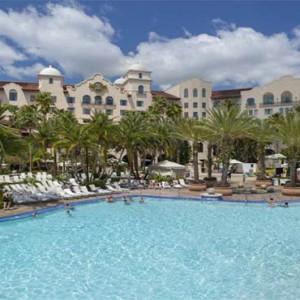 universal-hard-rock-hotel-orlando-holiday-pool