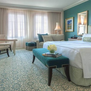 universal-loews-portofino-bay-orlando-holiday-garden-view-king-room