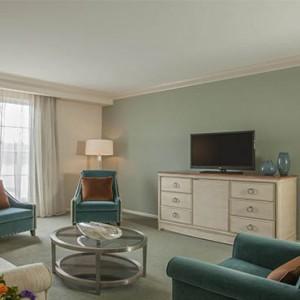 universal-loews-portofino-bay-orlando-holiday-portofino-parlor-suite