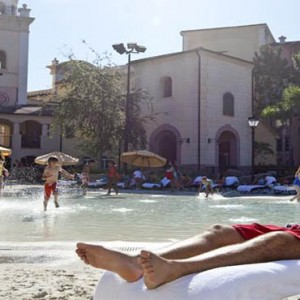 universal-loews-portofino-bay-orlando-holiday-beach-pool1
