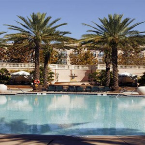 universal-loews-portofino-bay-orlando-holiday-villa-pool