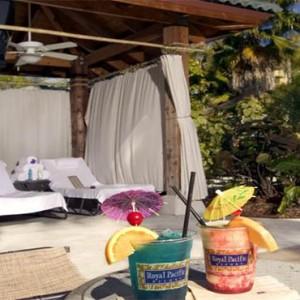 universal-loews-royal-pacific-resort-orlando-holiday-cocktails