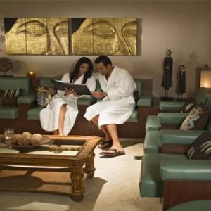 universal-loews-royal-pacific-resort-orlando-holiday-spa