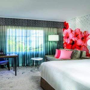 universal-loews-royal-pacific-resort-orlando-holiday-standard-king-room