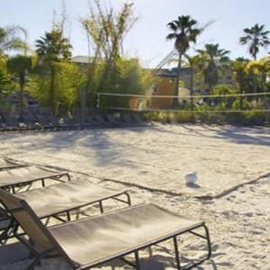 universal-loews-royal-pacific-resort-orlando-holiday-volleyball