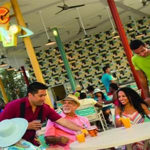 universals-cabana-bay-beach-resort-orlando-holiday-atomic-tonic