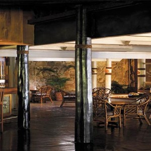 yanuca-island-fiji-holiday-black-marlin-bar