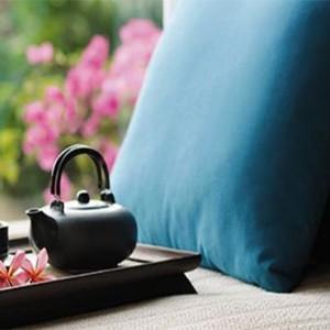 yanuca-island-fiji-holiday-premier-ocean-bure-cushions