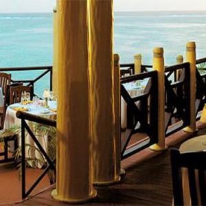 yanuca-island-fiji-holiday-takali-terrace-restaurant
