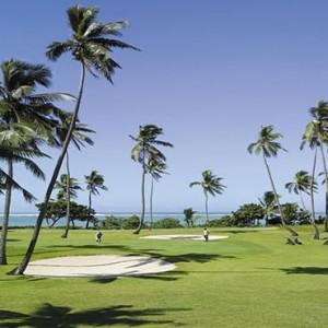 yanuca-island-fiji-holiday-golf-course